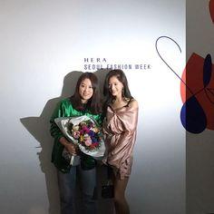 #김재경 #재경 #JaeKyung #레인보우 #Rainbow 170328 beautyumm Instagram Update feat JaeKyung「 재경이랑❣#fleamadonna #17fw #sfw #서울패션위크 」