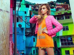 Cara Delevingne frappe les rues pour Vogue Brésil Propagation