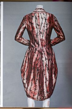 Alexander McQueen MA Graduation Collection 1992 Coat, Jack the Ripper Stalks His Victims Pink silk printed in thorn pattern lined in white silk with encapsulated human hair Photographed by Sølve Sundsbø for Alexander McQueen: Savage Beauty Fashion Art, Vintage Fashion, Fashion Design, Gothic Fashion, Fashion Clothes, Runway Fashion, Beauty Exhibition, Alexander Mcqueen Savage Beauty, Isabella Blow