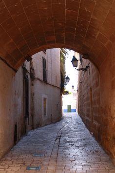Carrer del Palau. Ciutadella. Menorca Villas, Paradis, Travel Style, Jewel, Memories, Traditional, Island, Writing, Street