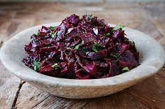 How to make braised cabbage Features Jamie Oliver Jamie Oliver cabbage recipes - Dinner Recipes Red Cabbage Recipes, Braised Red Cabbage, Roasted Red Cabbage, Xmas Food, Christmas Cooking, Christmas Foods, Christmas Christmas, Quinoa, Gourmet