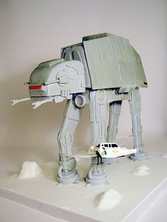 Star Wars: AT-AT, Complete with that bolo shooting skimmer that takes it down! #cake