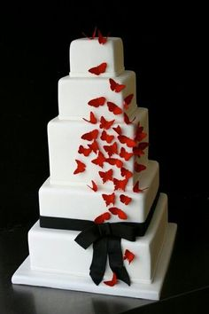 Red black wedding cake