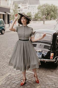 1950s Fashion Women, Retro Fashion, Vintage Fashion, Womens Fashion, Vintage Inspired Shoes, Vintage Shoes Women, Aesthetic Fashion, Aesthetic Clothes, Modest Fashion