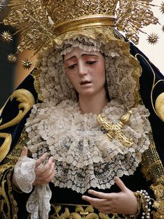 ¡¡¡ ESTRELLA... DE TRIANA. !!! Dedicado a Dori y a Marta. – Cofrades Verge, Holy Mary, Art Thou, Pray For Us, Madonna, Altar, Crowns, Saints, Language