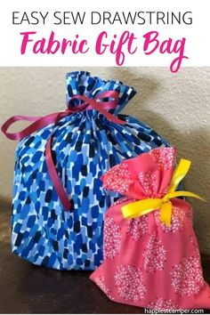 Want to present your DIY gifts with an equally cute fabric gift bag? This easy sew drawstring fabric gift bag tutorial shows you exactly how to make them! Clear Nail Polish, Clear Nails, Custom Gift Bags, Customized Gifts, Sew Gifts, Fabric Gift Bags, Wrapping, Sewing Projects, Birthday Gifts
