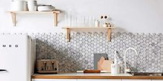 Just Pinned to Cuisines modernes: hexagon marble backsplash. Agency Office, Kitchen Pictures, Kitchen Tiles, Small Apartments, Open Shelving, Floating Shelves, Lightroom, Adobe Photoshop, House Plans