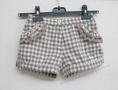 De costuras y otras cosas: SHORT PARA NIÑA EN LANILLA (proceso de confección) Sewing For Kids, Baby Sewing, Toddler Outfits, Boy Outfits, Short Niña, Kids Shorts, Dressmaking, Baby Dress, Kids Fashion
