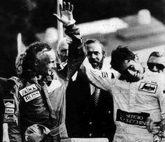 Aos oito anos, o jovem Ayrton Senna já mostra a predileção pelos carrinhos
