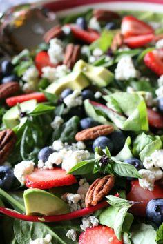 Berry Basil Harvest Salad - Thanksgiving Salad - Thanksgiving menu ideas - www.ceceliasgoodstuff.com