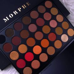 "193.8 k likerklikk, 1,301 kommentarer – Morphe (@morphebrushes) på Instagram: ""This bad boy was created to bring the heat, and that's just what it's doing. @chaleendeed took a…"""