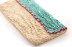 Simple style abounds with our handwoven Clutch Rectangular purse made from 100% organic toquilla. This lovely piece offers space to keep your keys, lipstick and cell phone, along with the opportunity to support our artisan partners in Cuenca, Ecuador who produce all of our custom pieces. Quality fashion with a social focus.