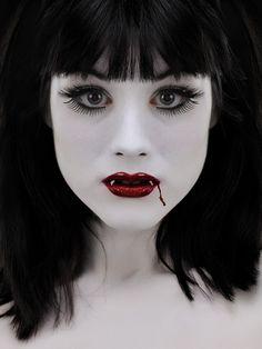 Cool vampire makeup