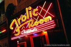 Confidential Movie Location Bob's Frolic Room, 6245 Hollywood Boulevard, Hollywood, Los Angeles. The neon exterior of the little dive bar alongside Pantages Theatre in which Jack Vincennes (Kevin Spacey) finally has a crisis of conscience. La Confidential, Guy Pearce, Hollywood Boulevard, Kevin Spacey, Filming Locations, Stuff To Do, Dive Bar, Places, Theatre