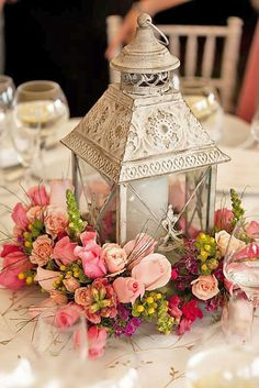 15 Simple Wedding Centerpieces Decoration Ideas With Lantern – Wedding Centerpieces Lantern Centerpiece Wedding, Simple Wedding Centerpieces, Wedding Lanterns, Wedding Flower Arrangements, Centerpiece Decorations, Flower Centerpieces, Wedding Decorations, Floral Arrangements, Floral Wedding