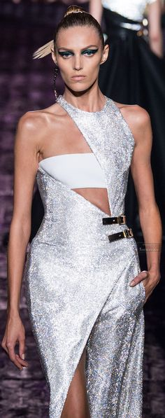 Atelier Versace Fall-winter 2014-2015.  V