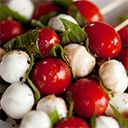 These appetizers are not hard to handle! Caprese skewers--mozzarella balls, cherry tomatoes, basil, and vinaigrette Make Ahead Appetizers, Holiday Appetizers, Appetizer Recipes, Party Appetizers, Elegant Appetizers, Cold Appetizers, Italian Appetizers, Healthy Appetizers, Healthy Dinners