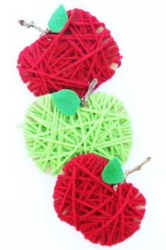 Make some yarn wrapped cardboard apples for a SUPER EASY fall kids craft! Make some yarn wrapped cardboard apples for a SUPER EASY fall kids craft! Yarn Crafts For Kids, Easy Fall Crafts, Easy Arts And Crafts, Crafts For Seniors, Kids Diy, Holiday Crafts, Apple Activities, Fun Fall Activities, September Crafts