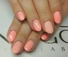 Nageldesign-urlaubsnu00e4gel-farben-hautfarbe-lachs-glitzersteine-nude-orange | Nu00e4gel | Pinterest ...
