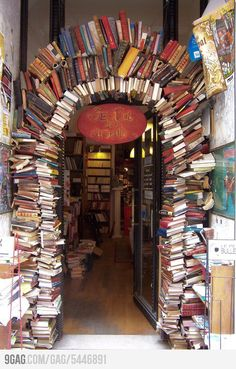 The entrance of a bookstore (in Lyon). If it still exists I HAVE to go!