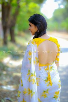 blouse designs Latest Pictures Of Blouse Back Designs with Saree for 2019 EntertainmentMesh Blouse Back Neck Designs, Silk Saree Blouse Designs, Fancy Blouse Designs, Bridal Blouse Designs, Sari Design, Blouse Designs Catalogue, Stylish Blouse Design, Designer Blouse Patterns, Look Fashion