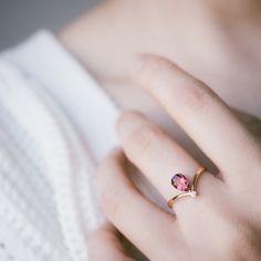Solid 18k gold V shape pink tourmaline diamond ring by LILOOKS