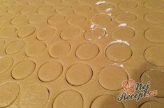 Kokosovo-ořechové mlsání - DĚLBUCHY | NejRecept.cz Ice Tray, Silicone Molds