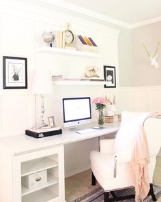 "-My DIY home office is small yet functional. I added touches of gold and blush to this space for a more feminine feel. A clean and organized workspace is the perfect place to let my creatively flow."" #LTKathomewith @elpetersondesign-