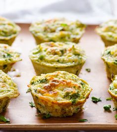 Looking for an easy way to get a healthy breakfast in that you can grab and go during your morning rush?  Start your morning off right with these 'Healthy Protein Filled Egg White Muffins.&…