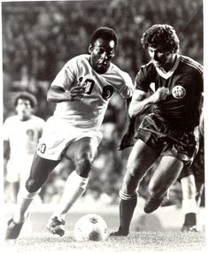 The New Haven Register Blogs: New Haven 200 at 200: Pele at Yale Bowl, 1977