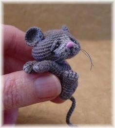 Tiny Mouse crochet