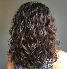50 Gorgeous Perms Looks: Say Hello to Your Future Curls! 50 Gorgeous Perms Looks: Say Hello to Your Future Curls!,Frisuren Voluminous Wavy Permed Hair Related posts:Wiggly Worm Puppets - crafts for kids✨ REPOST -. Perm Curls, Waves Curls, Curly Hair Styles, Medium Hair Styles, Body Wave Perm, Wave Hair, Large Curls, Big Curls, Soft Curls