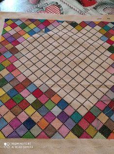 Cross Stitch Floss, Free Cross Stitch Charts, Cross Stitch Borders, Cross Stitch Designs, Cross Stitching, Basic Embroidery Stitches, Cross Stitch Embroidery, Embroidery Patterns, Cross Stitch Alphabet Patterns