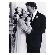 Elizabeth Taylor and Richard Burton tied the knot 2 times, this one was in 1964. Their turbulent love affair, and his gifts to her became one of the most told stories of that era. #iconicweddingdress #iconiccouple #iconicbride