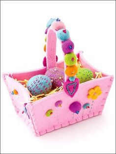 Free Tutorials and Patterns for Felt Easter Baskets! These Tutorials are a quick and easy way to make a super stylish Easter Basket this Year! Felt Crafts Diy, Felt Diy, Craft Gifts, Fun Crafts, Crafts For Kids, Easter Projects, Easter Crafts, Easter Egg Basket, Felt Embroidery