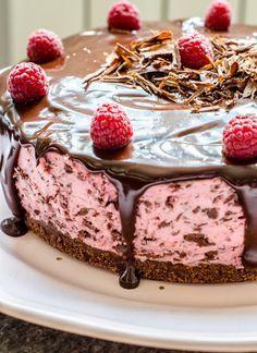 Easy Cake Recipes, Sweets Recipes, Easy Desserts, Baking Recipes, Cookie Recipes, Snack Recipes, Parfait, Chocolate Glaze Recipes, Chocolate Raspberry Cheesecake