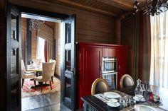 Фото интерьера кухни дома в стиле шале