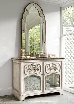 Ambella Home Collection - Laurel Sink Chest  - 08989-110-401