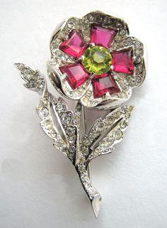 Lovely BOUCHER 1940s Rhinestones Flower Pin Phrygian Mark!