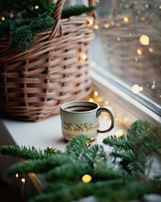 Are you looking for inspiration for christmas aesthetic?Navigate here for perfect Christmas inspiration.May the season bring you happy memories. Present Christmas, Christmas Mood, Merry Little Christmas, Christmas And New Year, All Things Christmas, Christmas Coffee, Christmas Morning, Christmas Flatlay, Christmas Ideas