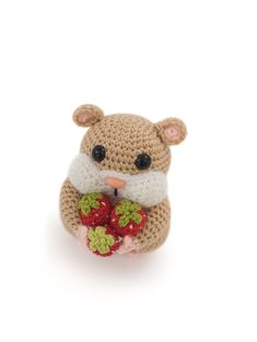 Hamish the hamster, a design by Moji-Moji Design. This pattern is part of the book Zoomigurumi 7.