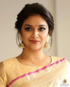 Keerthy Suresh Keerthy Suresh Soft, shiny, silky and well-groomed hair is our dream. However, caused by our research for hair care, the. Bridal Hairstyle Indian Wedding, Bridal Hair Buns, Indian Bridal Hairstyles, Wedding Hair Down, Wedding Hairstyles Half Up Half Down, Half Updo, Bollywood Hairstyles, Saree Hairstyles, Bride Hairstyles
