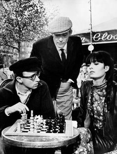 Woody Allen, Peter O´Toole and Capucine playing chess. Woody Allen, Peter O'toole, Marcel Duchamp, Madonna, What's New Pussycat, Religion, Kings Game, The Late Late Show, Chess Pieces