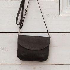 お買い物や旅行におすすめ!シンプルなふたつきポシェットの作り方(バッグ)   ぬくもり