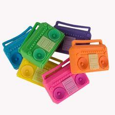 boombox erasers // gomas de borrar con forma de radiocassette