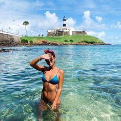 Status: Me sentindo dona e proprietária da empresa Piscinha /amor/ por um dia (alguns vários dias na verdade rsss) Beach Photography Poses, Beach Poses, Summer Photography, Summer Pictures, Travel Pictures, Travel Photos, Beach Romance, Tumblr Travel, Story Instagram