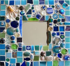 Mosaics / ocean mosaic frame, very cute Mirror Mosaic, Mosaic Art, Mosaic Glass, Mosaic Tiles, Stained Glass, Glass Art, Sea Glass, Mosaic Crafts, Mosaic Projects