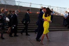 Royal Tour 2014 – Arrival in Sydney. Kate wearing a bespoke version of  Roksanda Ilincic's Ryedale Wool-Crepe Dress with the colours reversed.