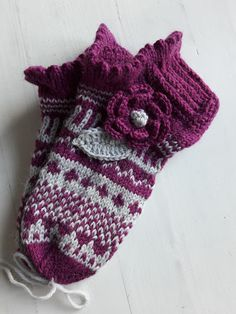 ISOLASSA Knitting Socks, Handmade Crafts, Fingerless Gloves, Arm Warmers, Mittens, Villa, Slippers, Pattern, Diy