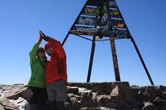 Nesta viagem por Marrocos, decidimos tentar subir ao cume da montanha mais alta do norte de África: o Toubkal. A cordilheira do Atlas e a mais extensa e mais alta da África do norte, e o seu pico, o Toubkal, atinge 4167m. Depois de conhecer as cidades imperiais, o deserto do Sahara, a rota dos …